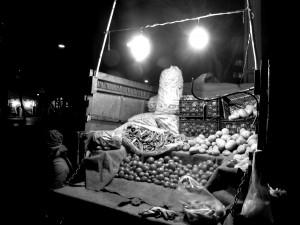 "© Nosrat Panahi Nejad ""venditori notturni"" Tehran 2016"