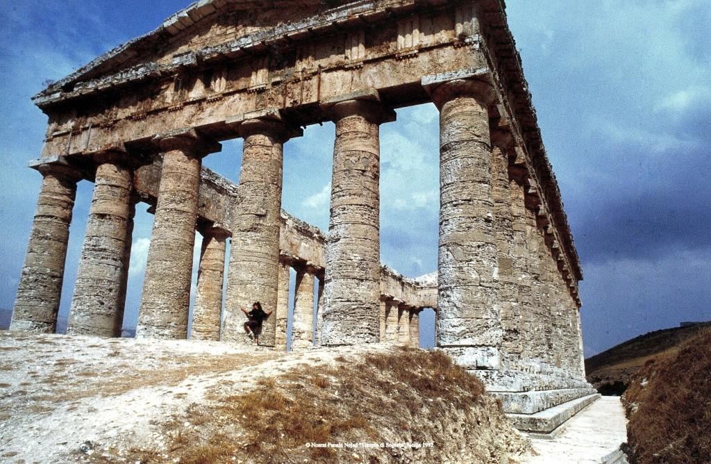 """© Nosrat Panahi Nejad """"Tempio di Segesta"""" Sicilia 1992"""